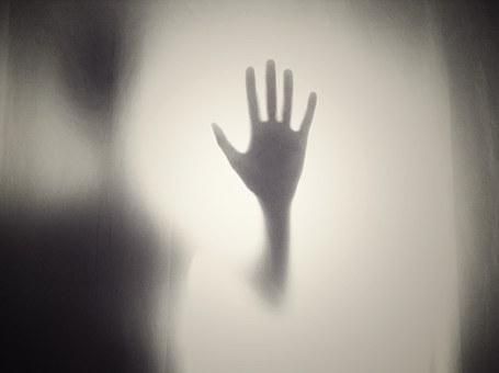 hand-984170__340